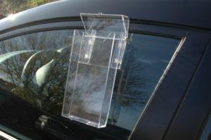 Befestigung an Ihrer Autoscheibe